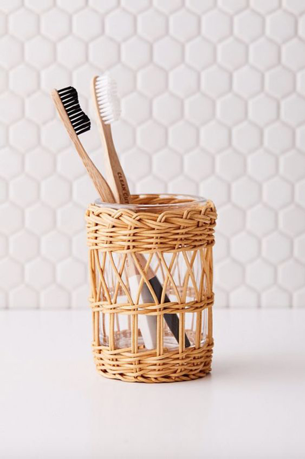 Summer-design-with-wicker-style