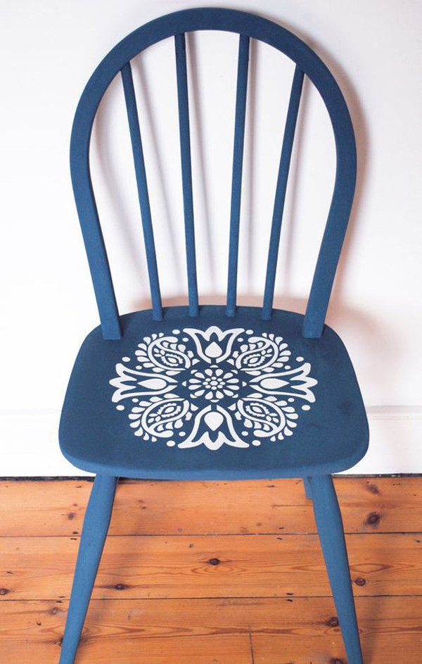 The-blue-wooden-chair