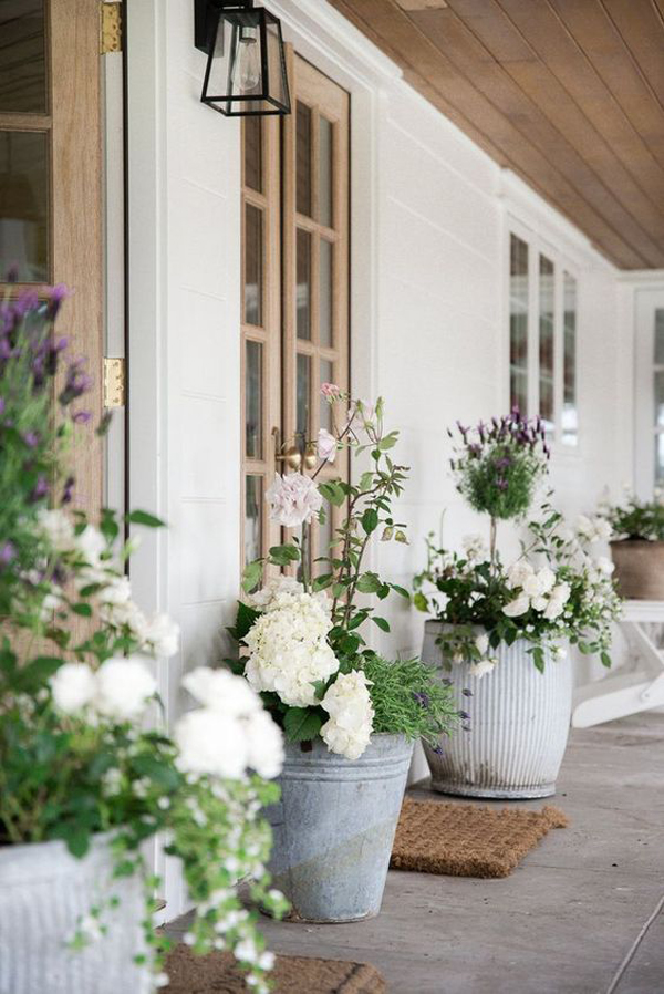Adorable-outdoor-planter