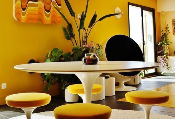 Beautiful-kitchen-with-yellow-theme