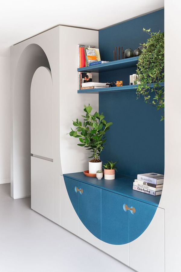 Blue-wall-decoration