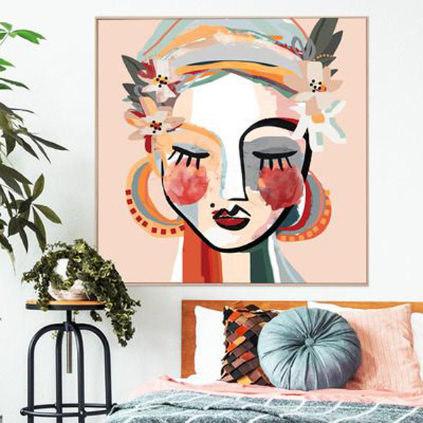Canvas-wall-art-with-lady-picture