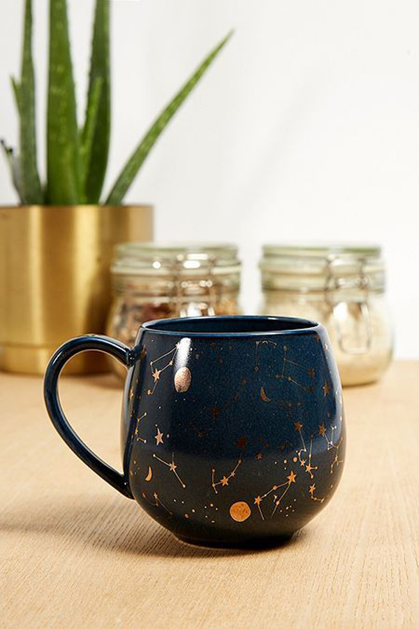 Coffe-mugs-with-dark-blue-and-brown-color