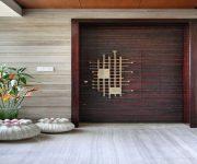 Enters-door-design-with-flower-motif