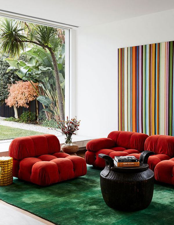 Family-rom-with-glamour-sofa