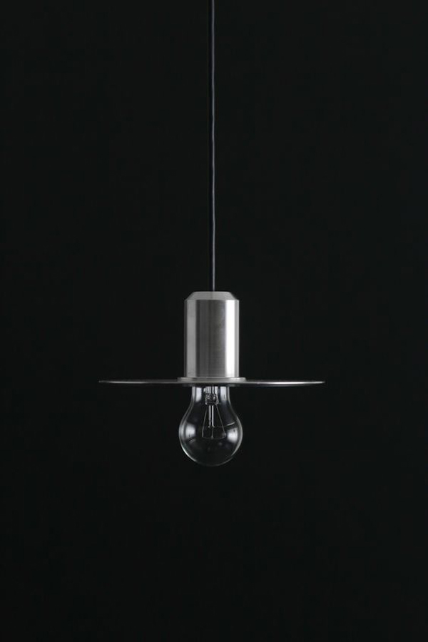 Lighting-ideas-with-silver-pendant-lamp