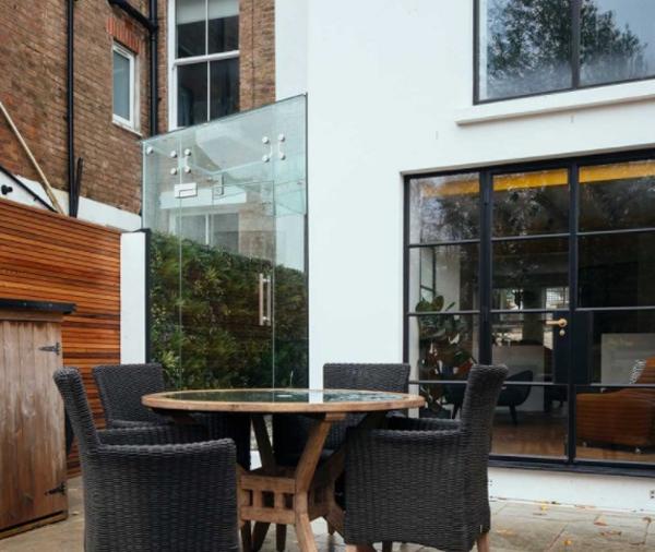 Outdoor-living-room-design