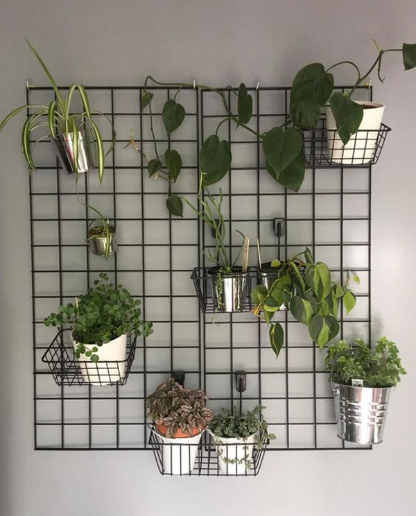 Simple-balcony-vertical-garden-design