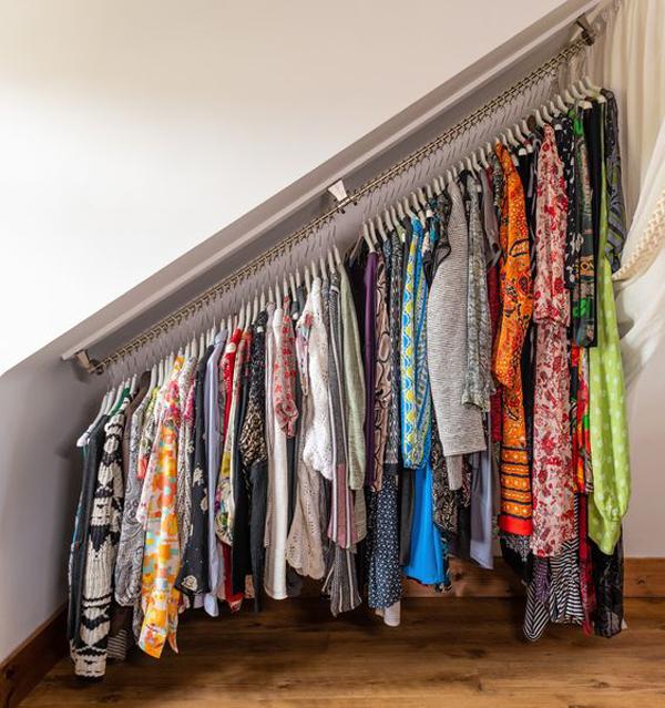 Smart-ceiling-clothes-rail