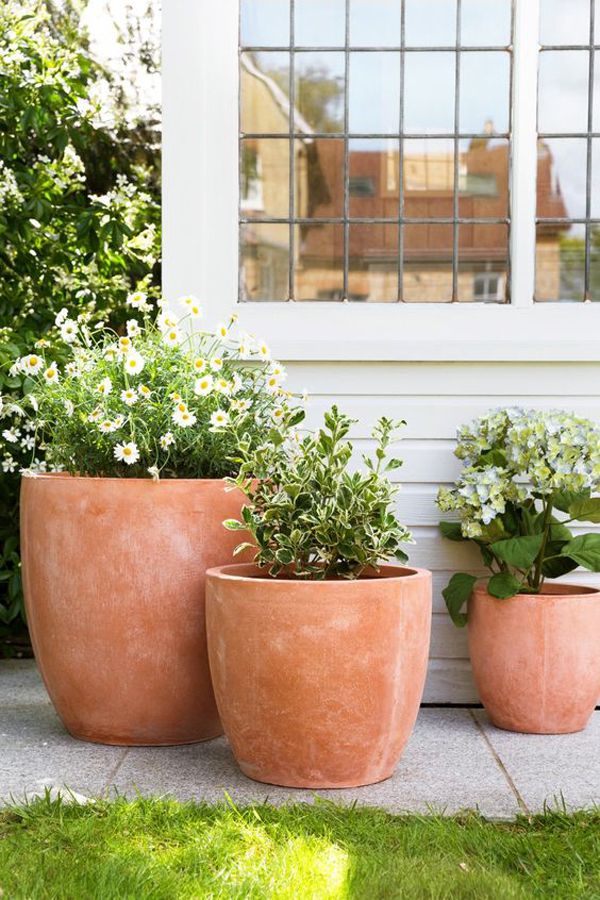 Terracotta-outdoor-planter