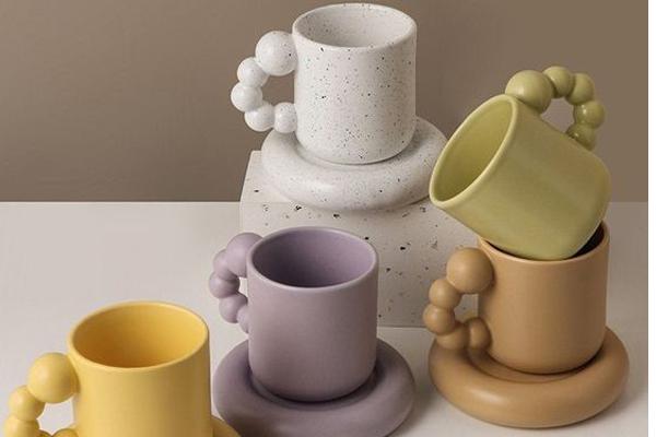 Unique-coffee-mugs-shapes
