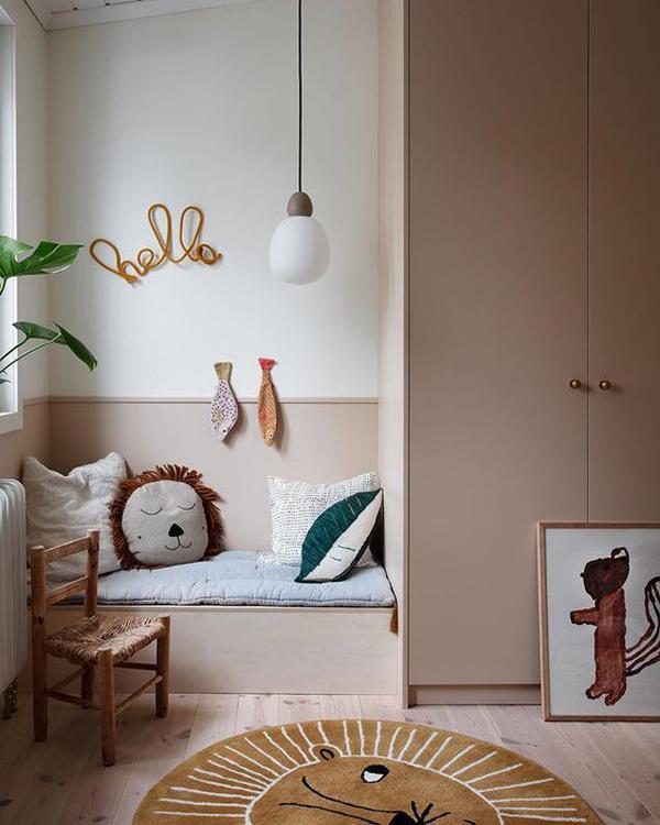 Comfortable-corner-room