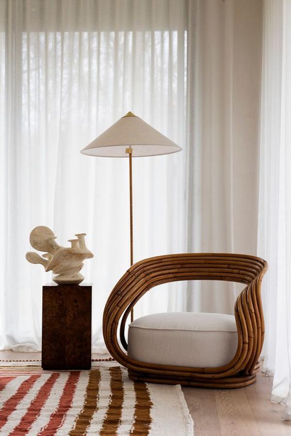 Corner-room-with-Zen-decoration