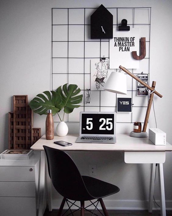 Desk-with-white-and-black-themed