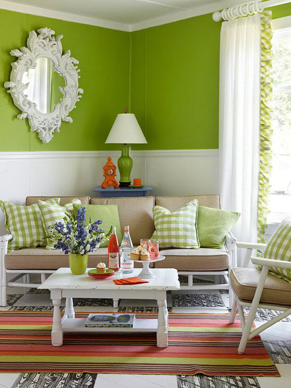 Light-green-and-white-in-the-living-room-decoration
