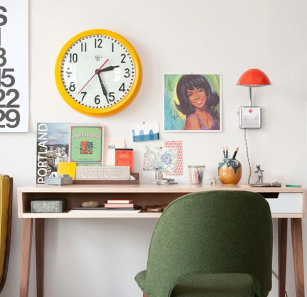 Yellow-clock-in-your-study-desk