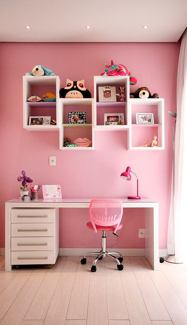 Study-room-with-beautiful-pink-color-theme
