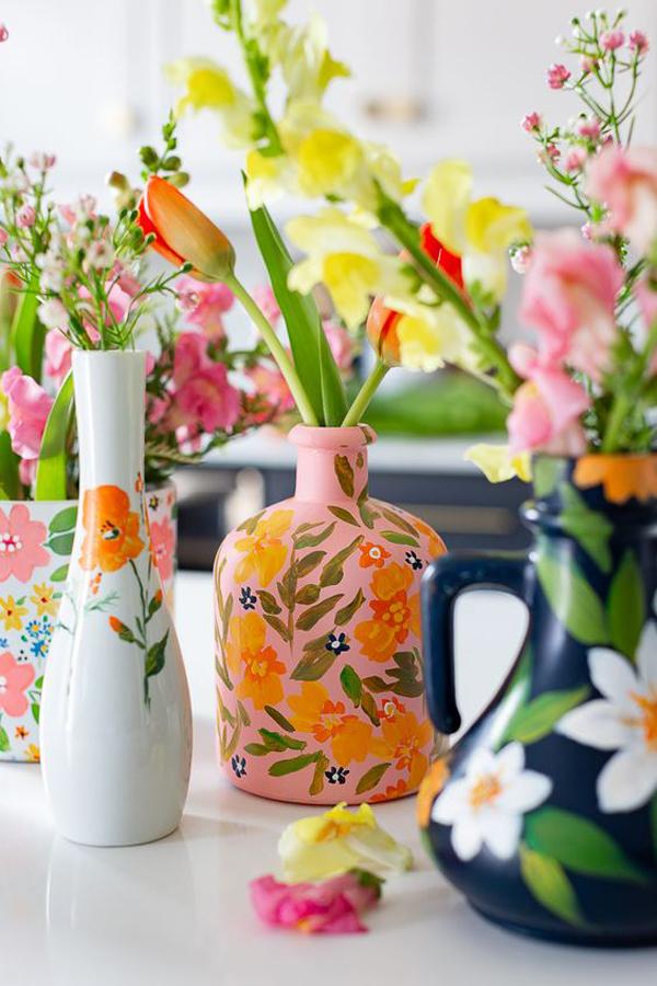 Beautiful-living-room-vase