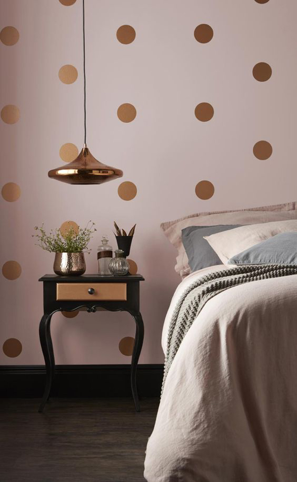 Bedroom-with-pink-theme