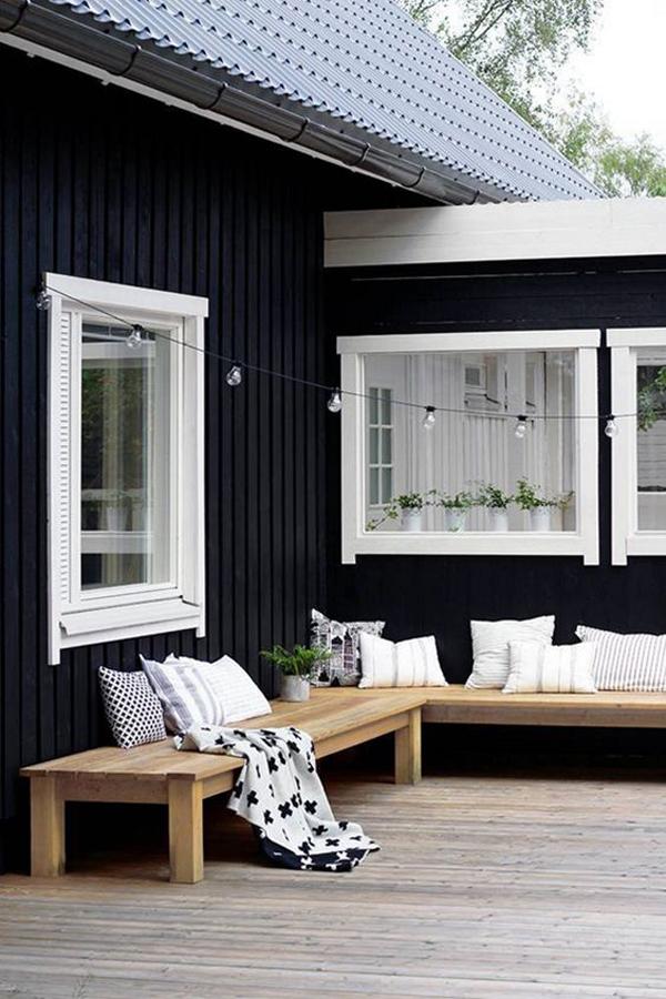Black-exterior-paint-colors