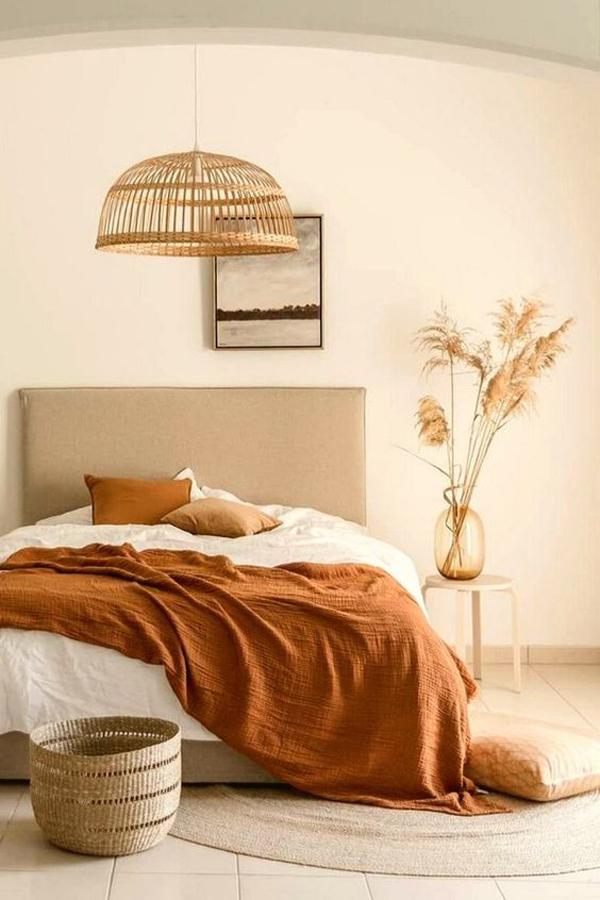 Bright-bedroom-vibe
