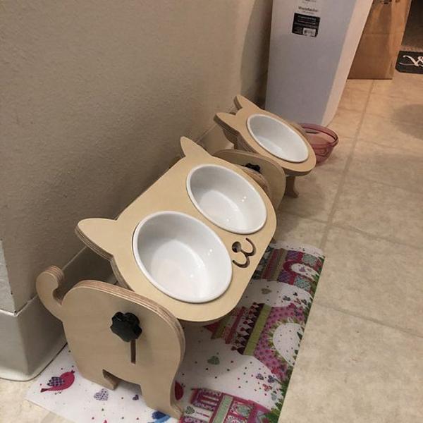 Cat-dog-bowls-character