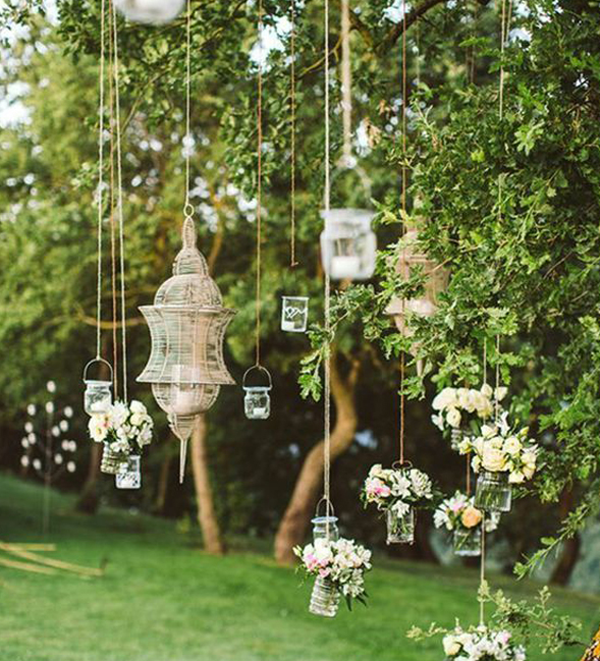 Hanging-decoration-in-your-outdoor-wedding