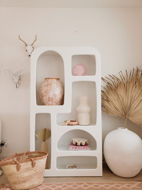 Vertical-wall-storage