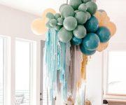 Balloons-ceiling-decoration-for-dinner