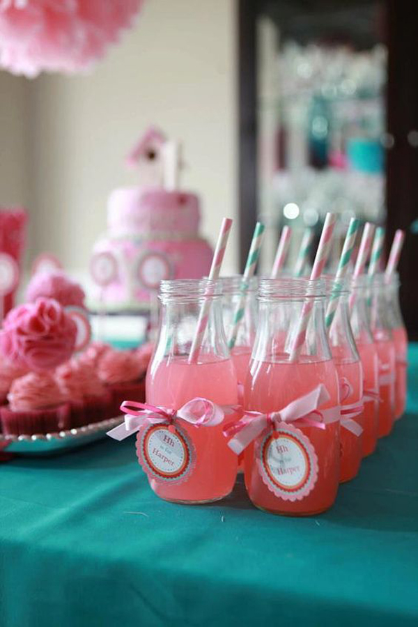 Delicious-foods-in-the-kids-birthday-party-at-home