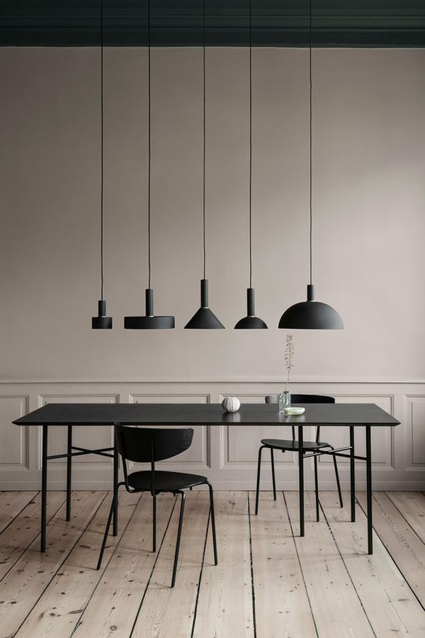 Franch-dining-room-inetrior-design-with-black-theme