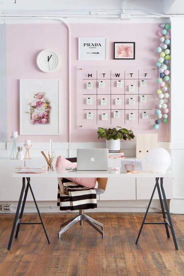 Pinky-study-desk-decoration