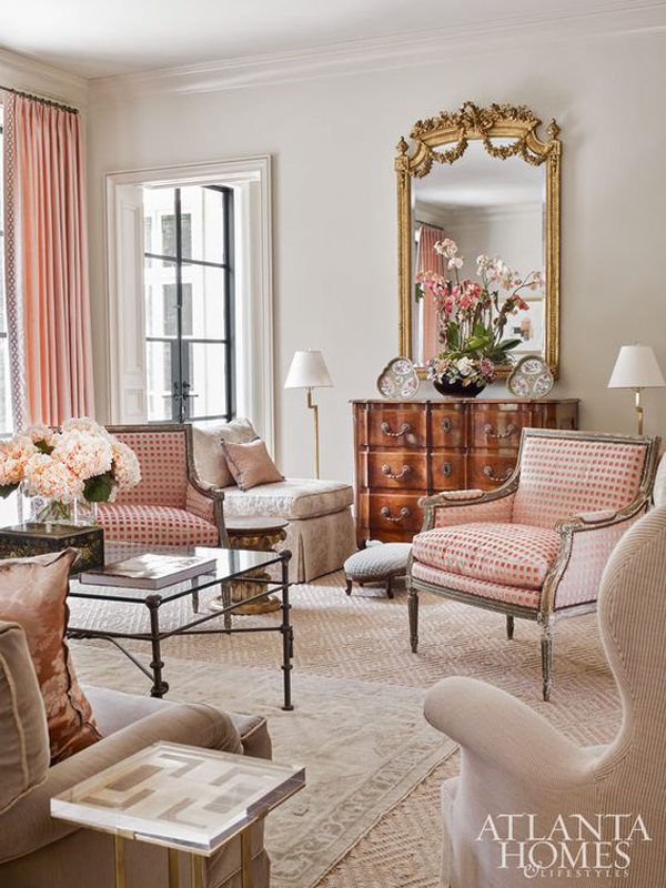Traditional-living-room-with-pink-the