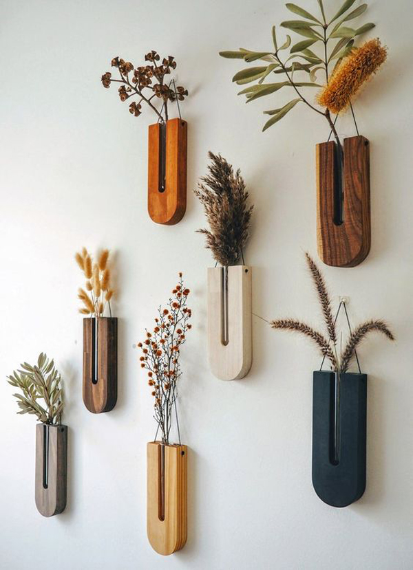 Wall-planter-in-the-bedroom