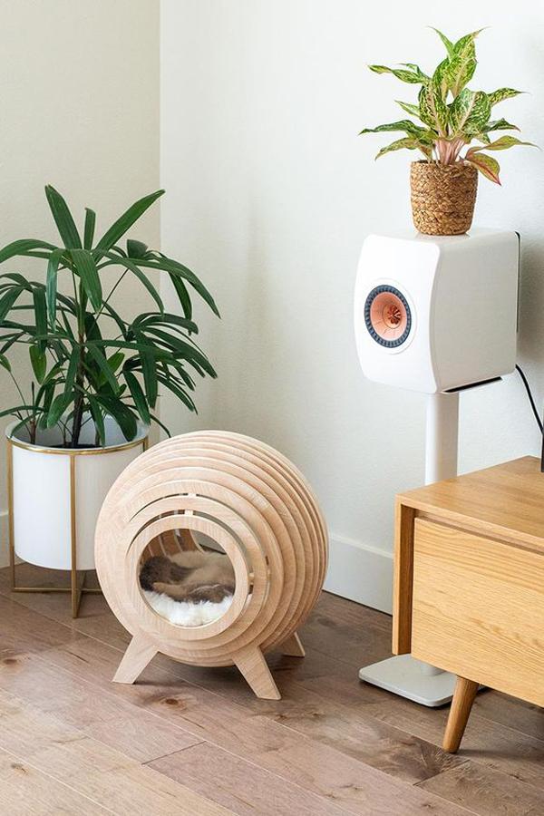 A-round-cat-furniture
