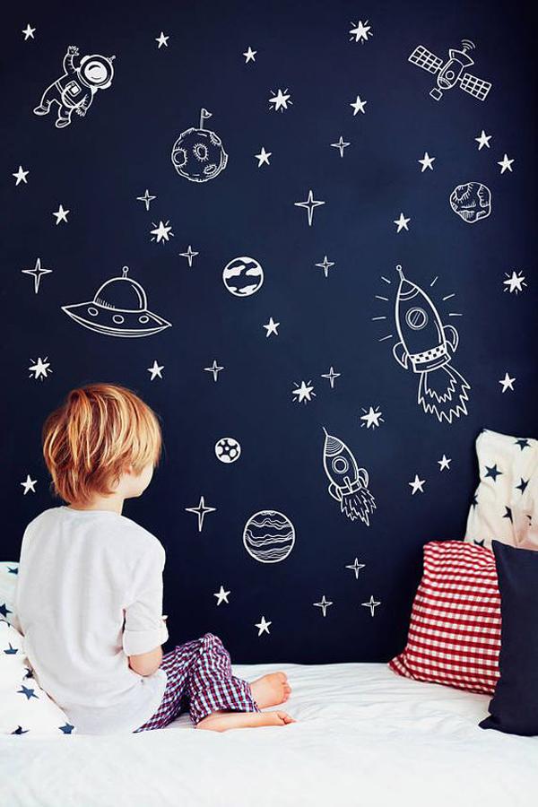 Asstronaut-wall-decor