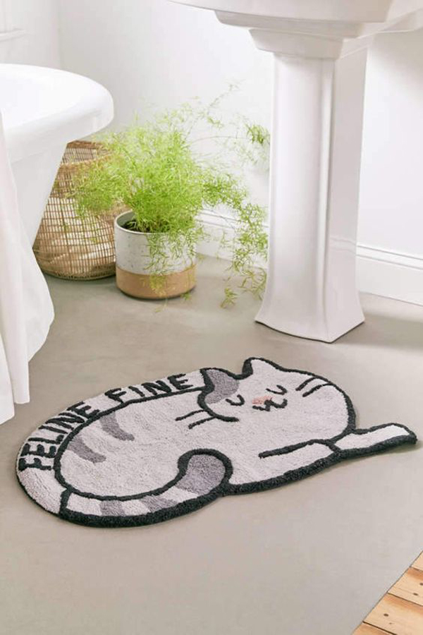Bath-mat-with-lazy-cat-picture