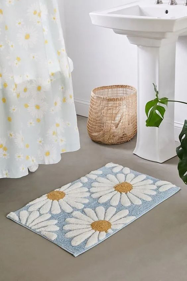 Beautiful-doormat-with-blue-flower
