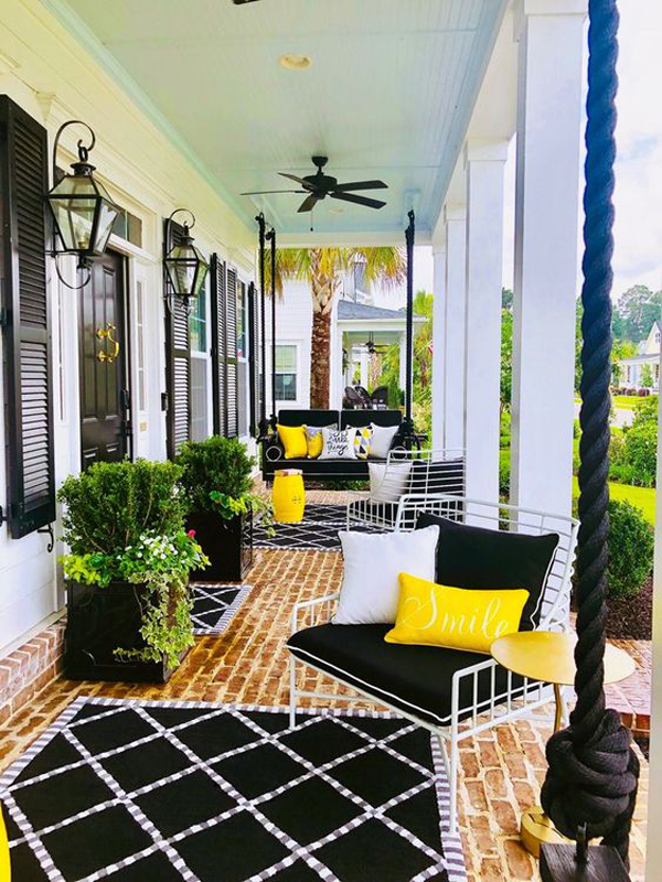 Beautiful-front=porch-design-with-black-and-yellow-theme