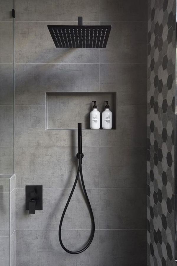 Black-accents-in-the-bathroom