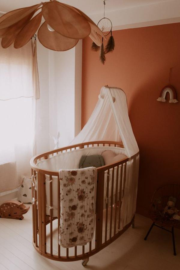 Comfortable-and-unique-crib