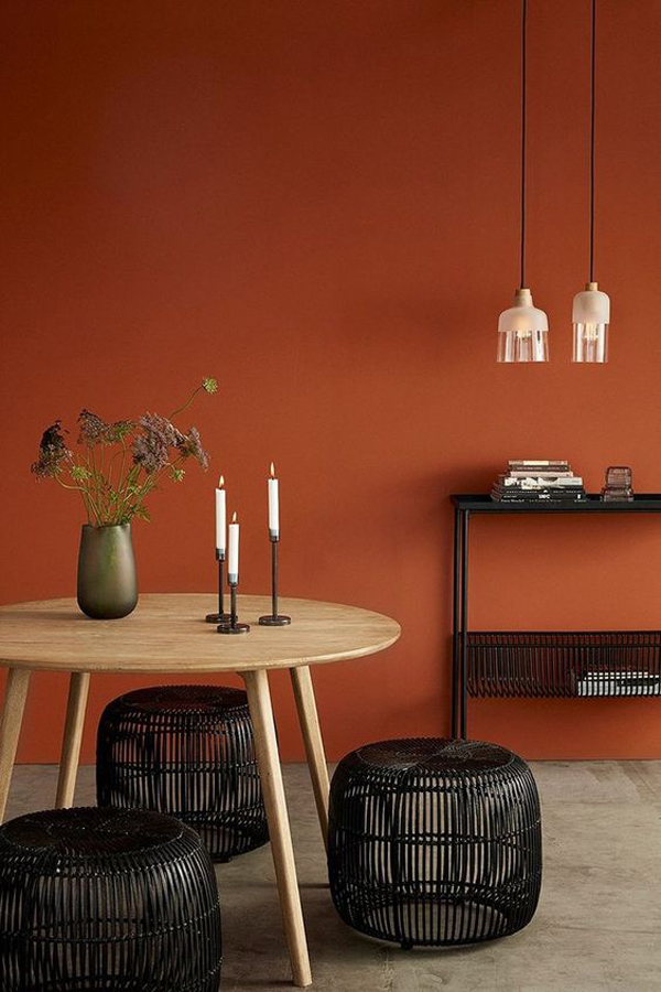 Dining-room-with-brown-wall-paint