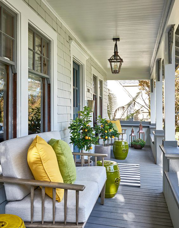 Fresh-and-pretty-front-porch-decoration