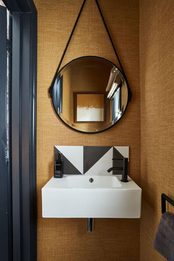 Luxurious-bathroom-design-2021
