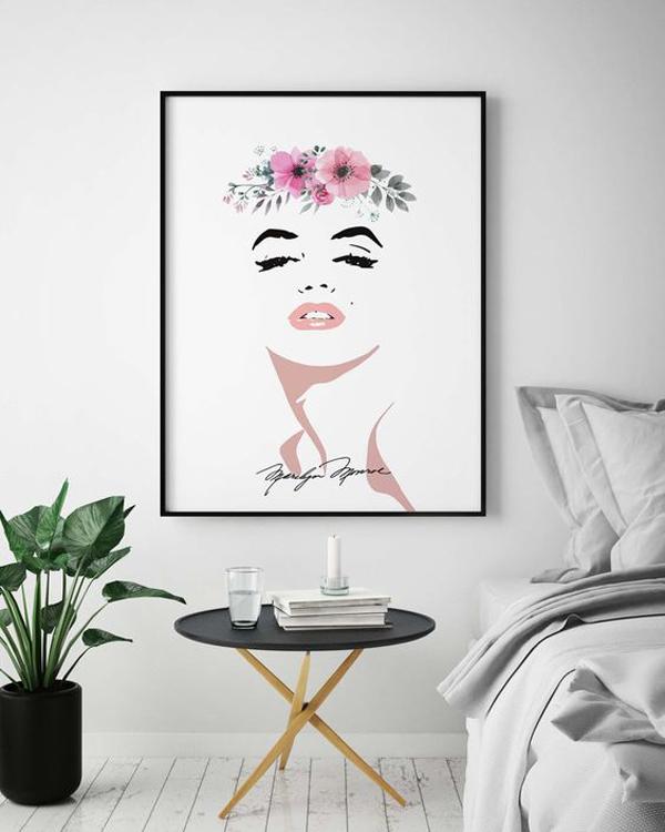Marilyn-posten-in-the-living-room-decor