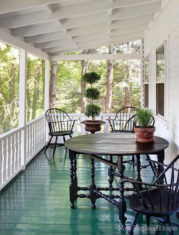New-England-front-porch-design