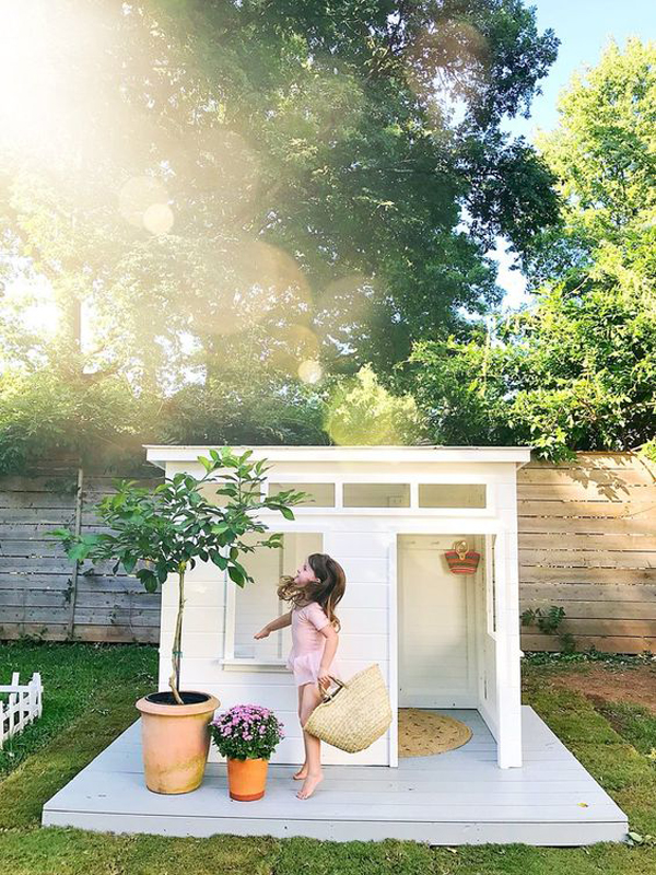 Simple-and-adorable-modern-playhouse-ideas