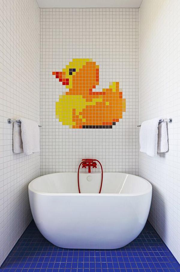 Simple-bathroom-wall-decor