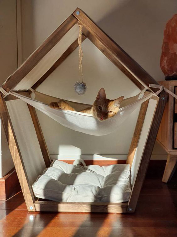 Small-cat-bed-wood