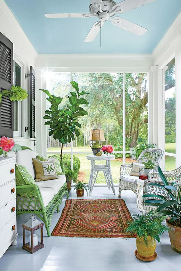 Terrace-decoration-with-white-furniture